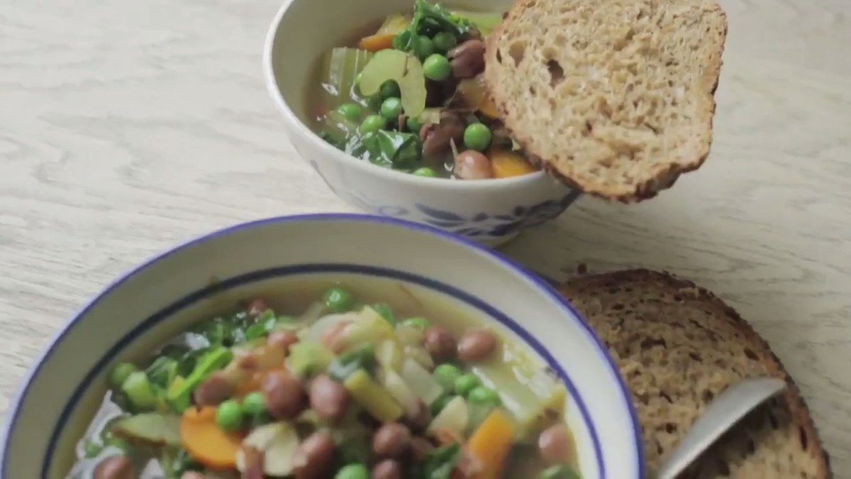 No #dinner plans? How about Jools's chunky vegetable #soup! Great for all the family. ???? https://t.co/3ZoslDd60n