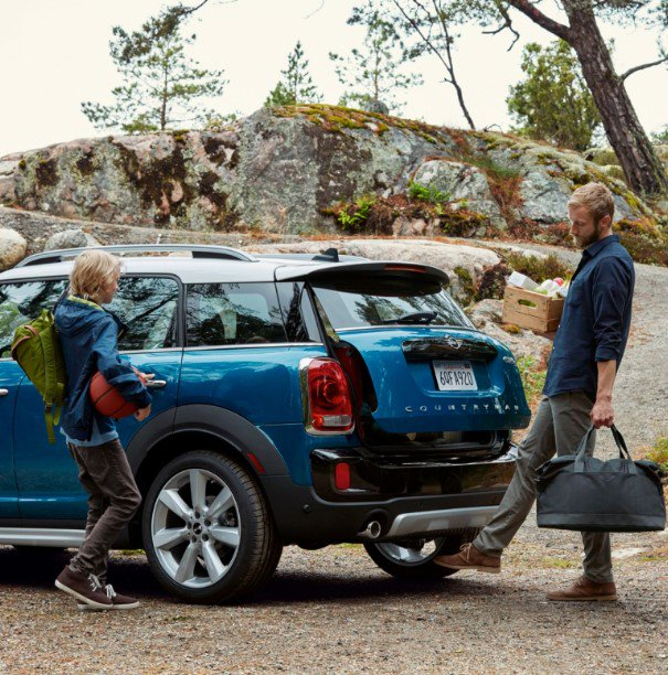 Create new memories by the mile in the most spacious MINI ever. #MINICountryman https://t.co/ClNJUt6k1P