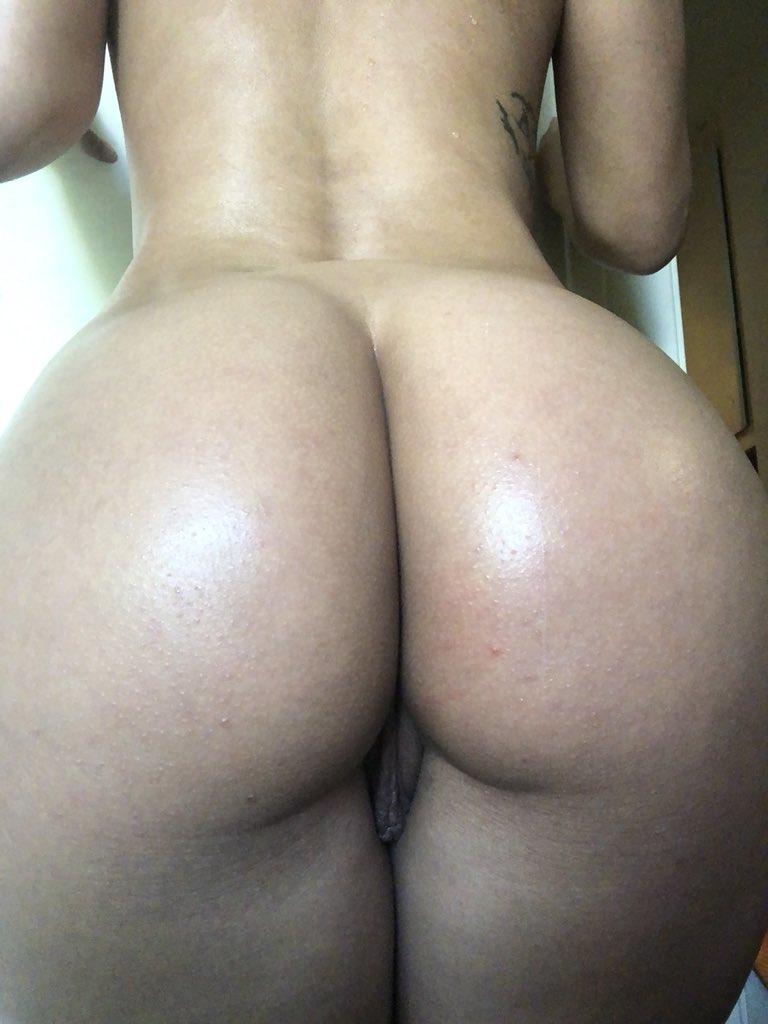 2 pic. Booty 🍑 v4OG7jwdNq