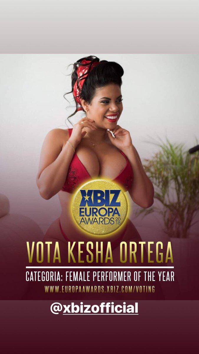 8cfDYuRRfC. Vota por mí en Female performer of year kesha ortega mTFYeFUA