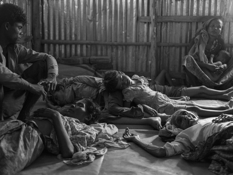 RT @NewYorker: A photojournalist documents the Rohingya's desperate journey out of Myanmar: https://t.co/jcVKxX2y2b https://t.co/Fjjo291FnN