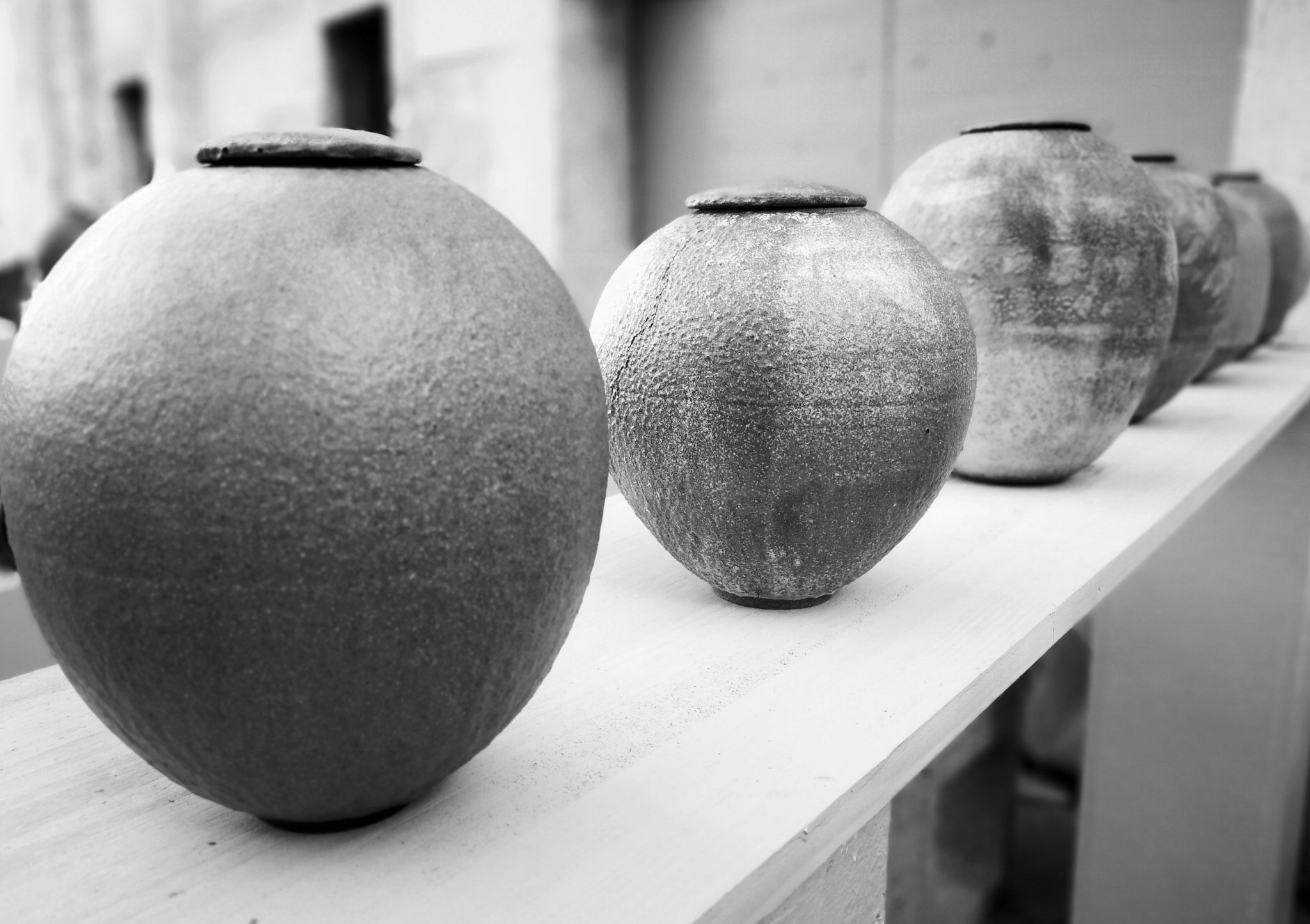 #pottery  #1P1W #1picture1word 📸 #activeemotion 👁️ #battlepicture 🌎 🌍  Every picture tells a story! #Imagine #Photo 📷 #weare1forall #France The less you say, the more people remember 😀 #blackandwhitephotography https://t.co/BFWlAYvJrP