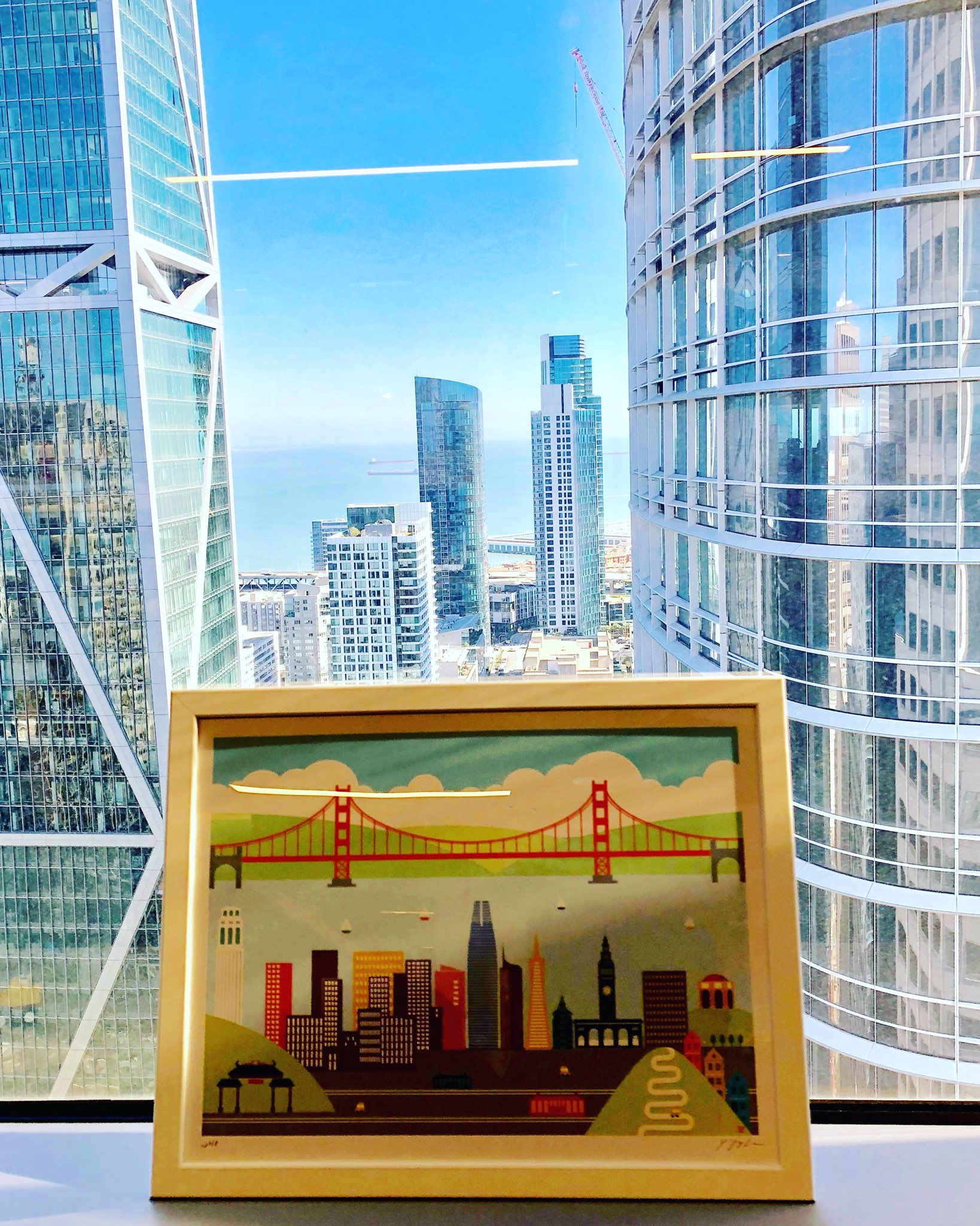Found the perfect spot for the #sanfrancisco art work created by amazing, creative and happy @yiyinglu Thank you @salesforce for bringing such inspiring #codame artists to #cocreate with us ART 💜 TECH + 🥟🥟🥟 https://t.co/vYetr2qN9r