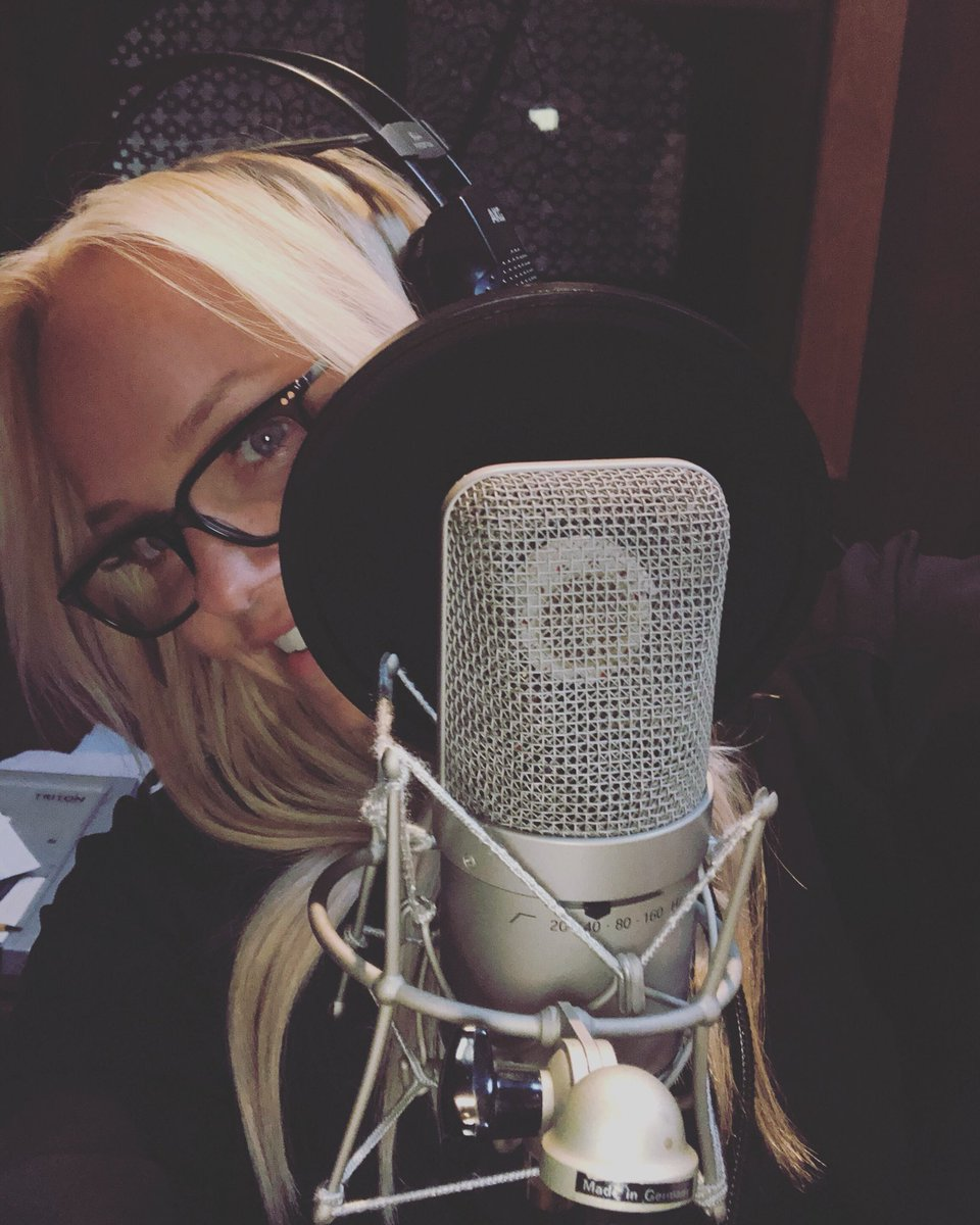 It's been a busy day! ???????????? #studiotime #singing https://t.co/Qs4P1hPoEB