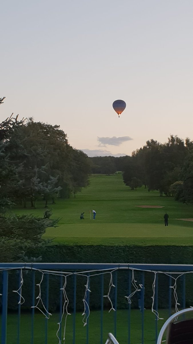 test Twitter Media - Great photo from a member this evening. The couse looks fantastic! #golf #hotairballoon @StoneacreMotors @theroebuck https://t.co/ErZ2XpgVdz
