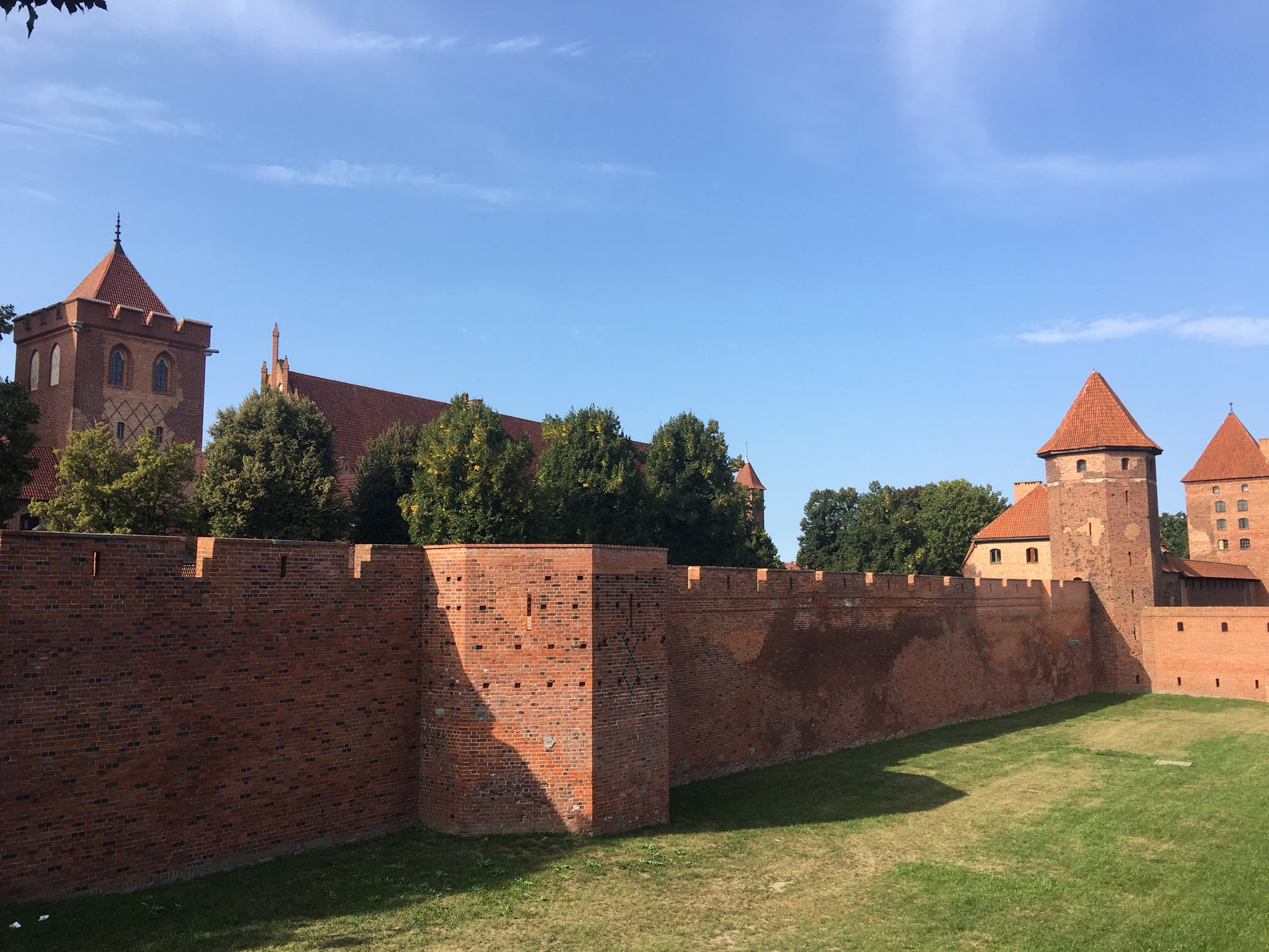 Odyssey Poland 2018, Castle of the Teutonic Order in Malbork is a 13th-century Teutonic castle and fortress located near the town of Malbork. It is the largest castle in the world measured by land area and a UNESCO World Heritage Site. https://t.co/7bSFVnSWo2