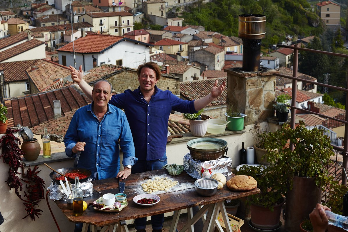 WE ARE IN BASILICATA this week!!! Get watching over on Channel 4 #JamieCooksItaly https://t.co/a7xIyloH09