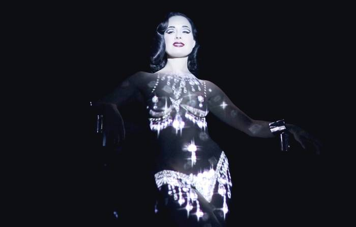 RT @NOWNESS: Watch @DitaVonTeese perform a futuristic strip tease: https://t.co/zA2npgBe9A https://t.co/0qVN8lLTY7