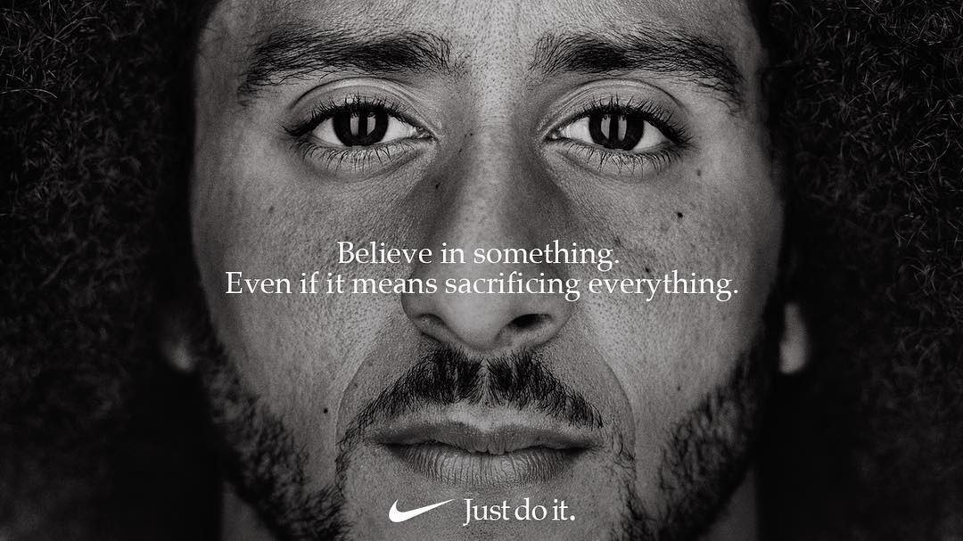 """""""Believe in something. Even if that means sacrificing everything.""""   ✊???? @Kaepernick7 https://t.co/lzZDEzPss8"""
