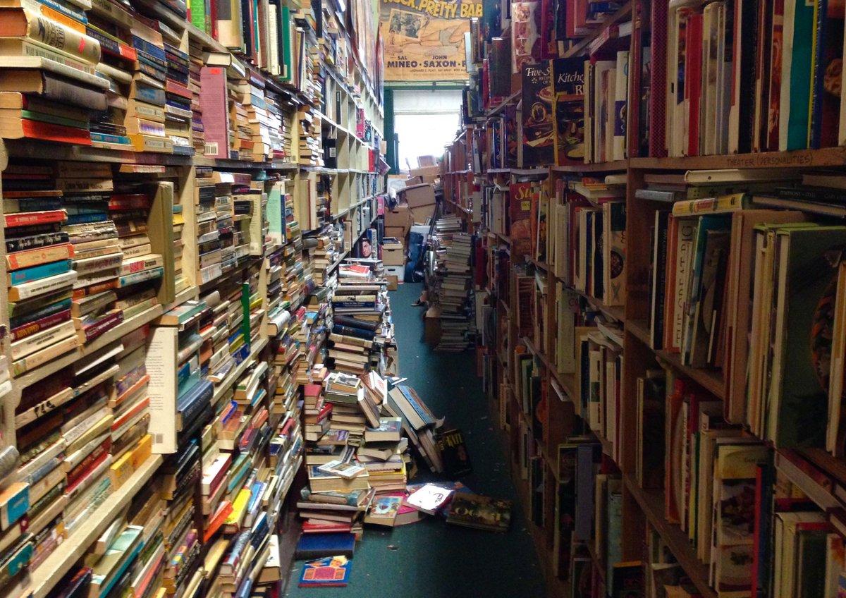 Book store patterns. https://t.co/oAKku5xMdb https://t.co/tSqioOuV5M