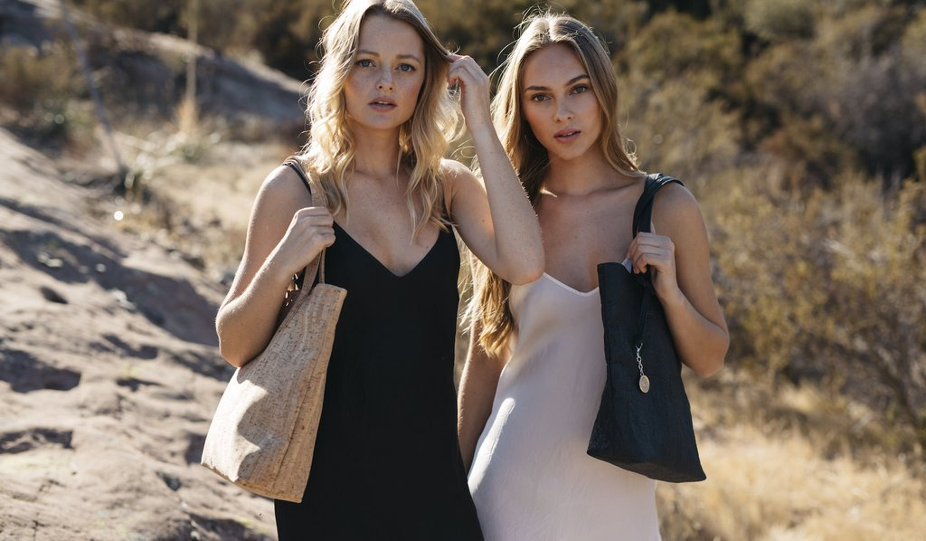 Eco vegan chic purse #giveaway thanks to @svalalove, enter today! https://t.co/QiZnFmxGph https://t.co/vkxyUOHh7A