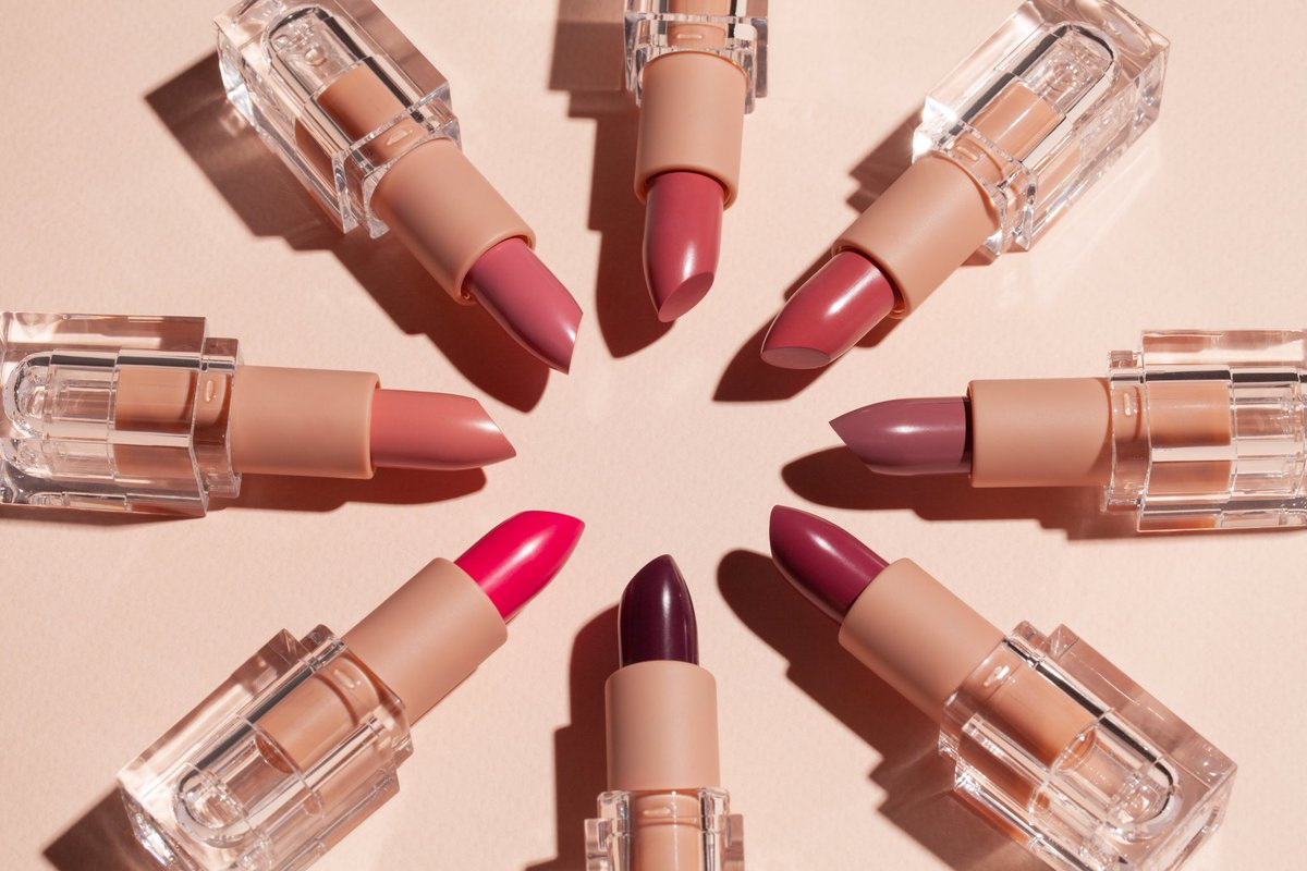 RT @kkwbeauty: Crème Lipsticks in Pink 1-8 ???? Available to shop TOMORROW, 09.14 at 12PM PST #KKWBEAUTY https://t.co/RzEH78iU2j