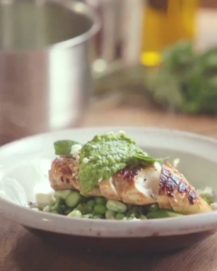 Healthy ✅  Speedy ✅  Easy ✅  A winner of a chicken dinner, this one counts as 2 of your 5-a-day! #DinnerInspiration https://t.co/XHzIFodhUf