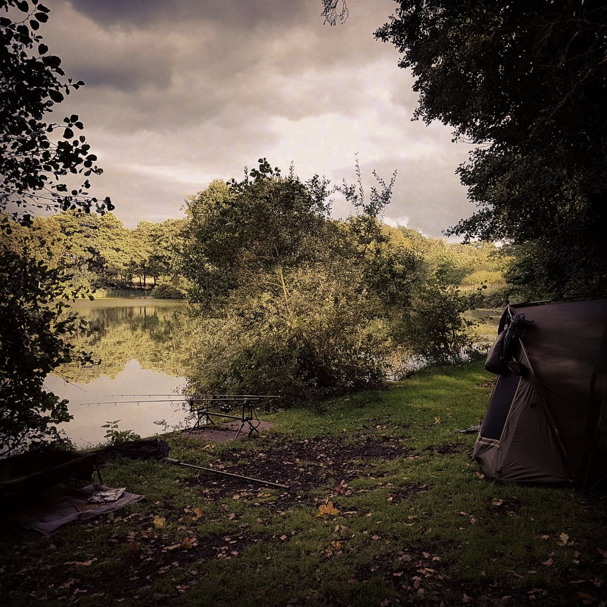 Traps set #CARPFISHING #carpy #MainlineBaits #givingthehelirigago #tightlines #fingerscrossed https: