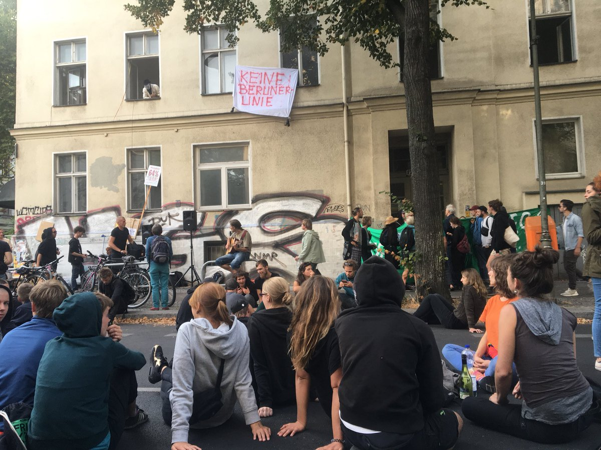 test Twitter Media - RT @lowresoOk: Berlin besetzt! Berlino Occupa! Berlin squats! #occupy https://t.co/lR5vN5ftVX