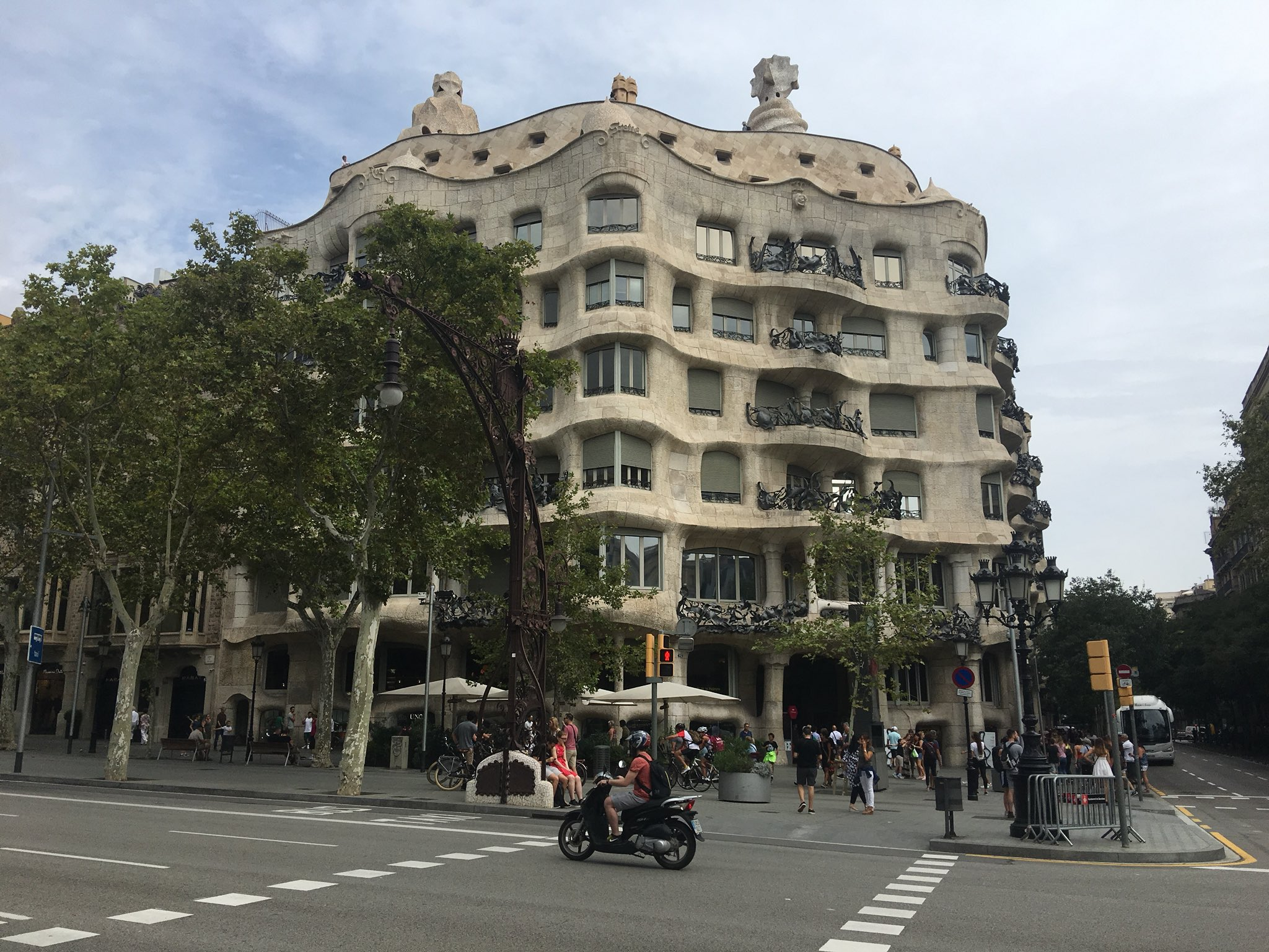 Odyssey Spain 2018, Casa Milà is a modernist building in Barcelona, Catalonia, Spain. It was the last private residence designed by architect Antoni Gaudí built between 1906 and 1912. In 1984, it was declared a World Heritage Site by UNESCO. https://t.co/CMLBKUgKuz