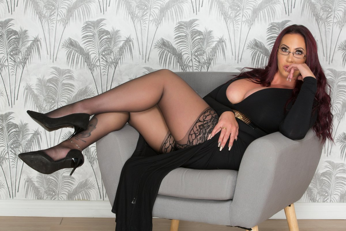 1 pic. Catch me on tour this week in #cheshunt #Oxford and #Southampton book now #Escort 90e7gVfRJ4