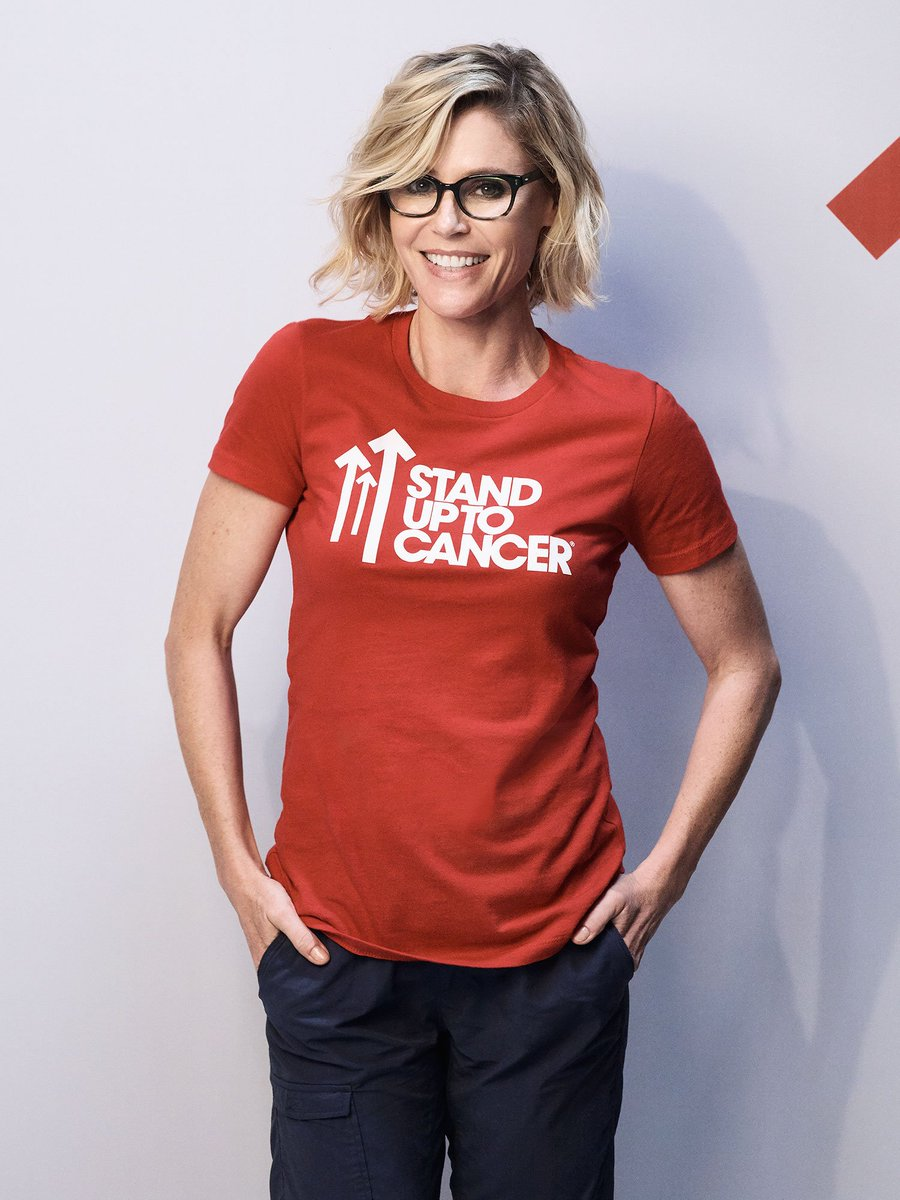 Everyone in Hollywood Was at StandUptoCancer, Including the Cast of @ModernFam