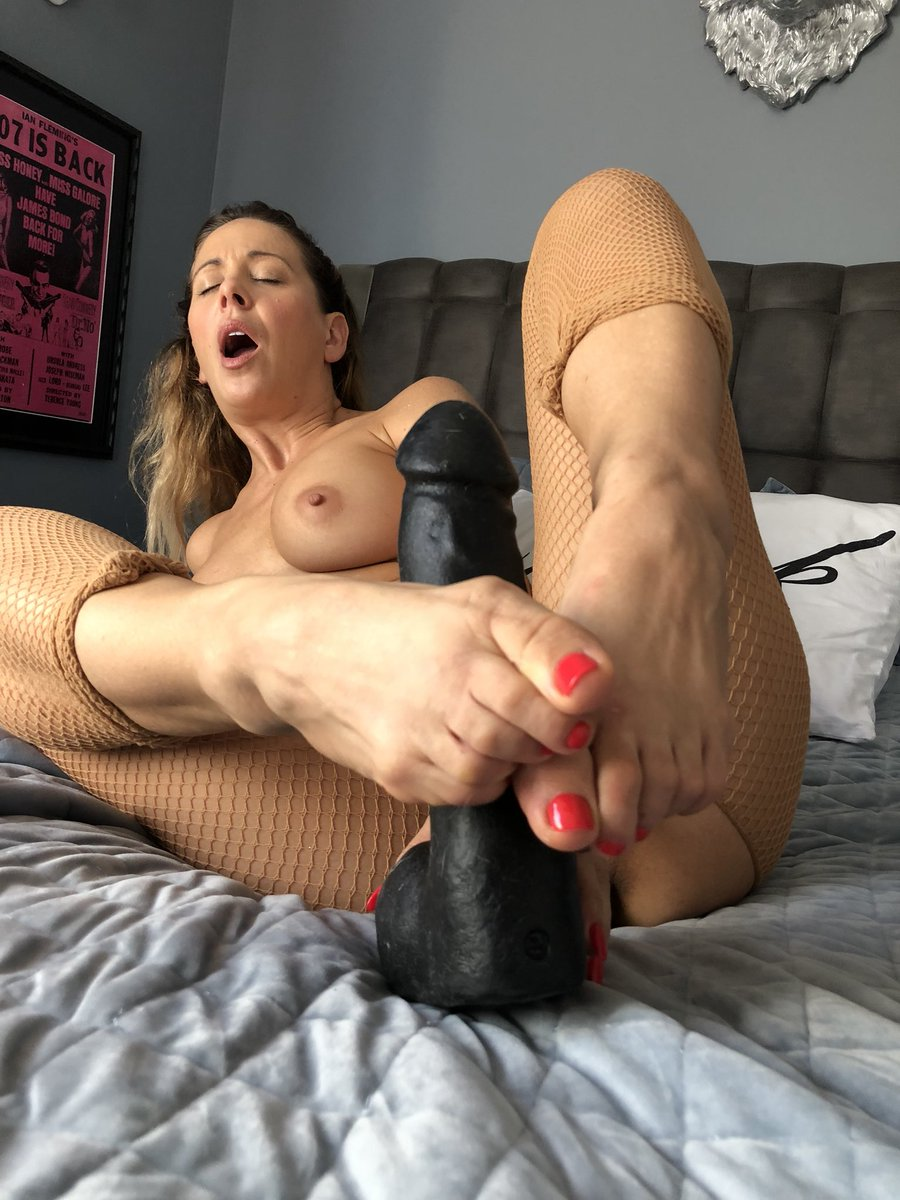 I love stroking your cock!! Watch this live for free right now on v76y5eSWsN