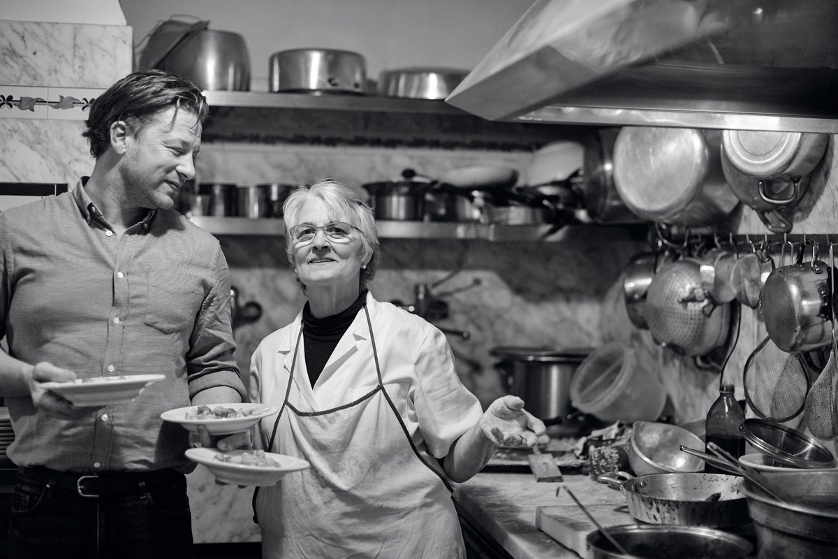 Coming up next… Jamie gets put through his paces by a gnocchi master, Nonna Teresa! #JamieCooksItaly https://t.co/Qs3aw56fKS