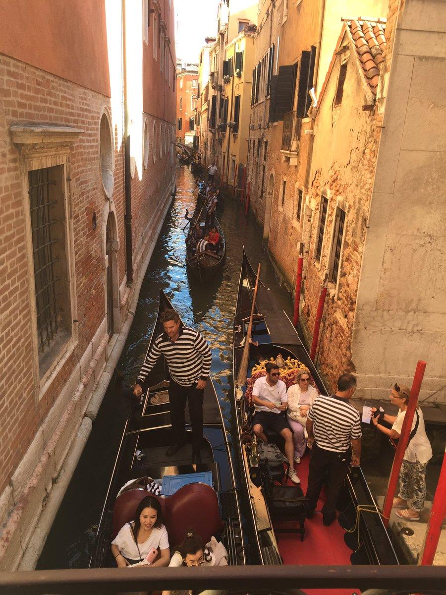 Venetian traffic vcvlo7eoMn