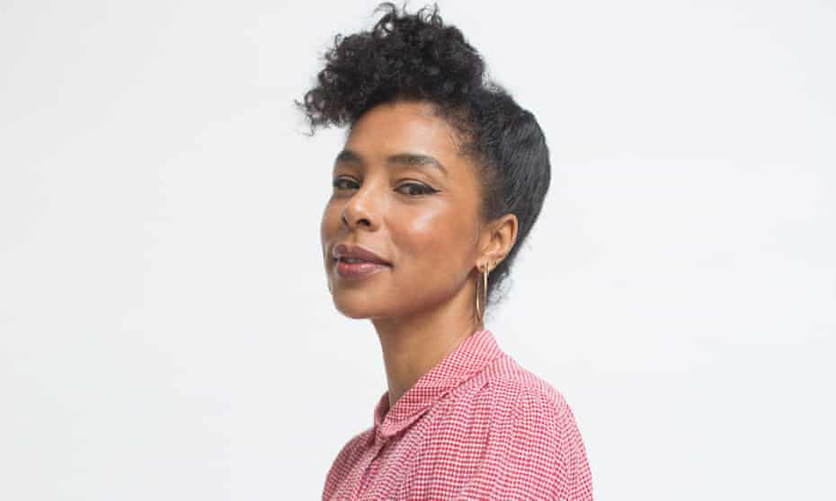 test Twitter Media - #SophieOkonedo... 50 years old? I don't believe it! Her performance of Cleopatra stood out for me the most tonight. Cleopatra's character is complex and a challenge to take on, yet Okonedo nailed it; seeming naturally assuring and convincing. #AntonyandCleopatra @NationalTheatre https://t.co/G9jmbg2BW4