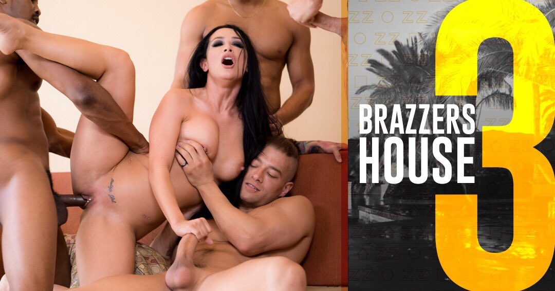 On Episode 2 of #BrazzersHouse3 I took on all the boys 💅🏻 Watch & vote 👇🏻  OCms1iBrEe