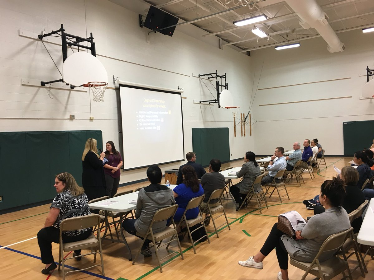 test Twitter Media - thanks to @apkohl @AnnaDavisTIS and @StacyRich28 for a wonderful presentation and discussion last night about parenting and technology #d30learns https://t.co/yW0wNQYOro