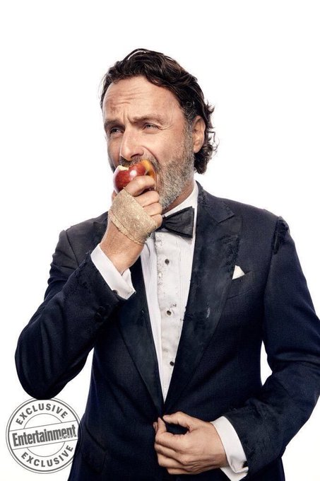 Happy birthday to my favorite men in the world and the best actor Andrew Lincoln