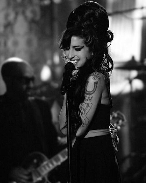 Happy birthday to my love Amy Winehouse, I miss you so much, rest in peace.
