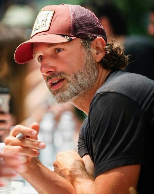Happy birthday to the talented Andrew Lincoln!!! To our Rick Grimes, our favorite sheriff