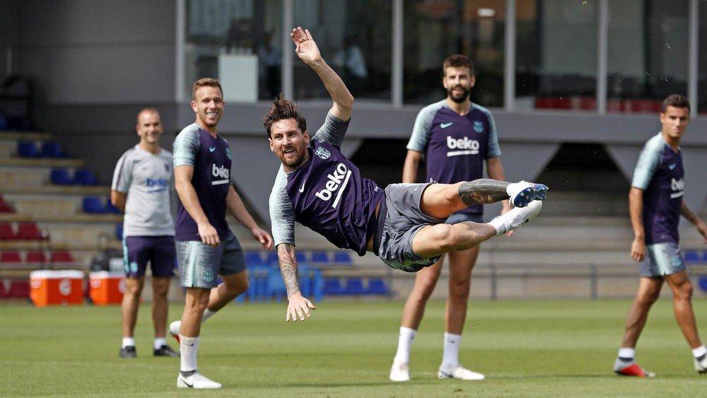 RT @FCBarcelona: ???? ????♂️ #Messi ???????? #ForçaBarça https://t.co/XBF7DeYH62