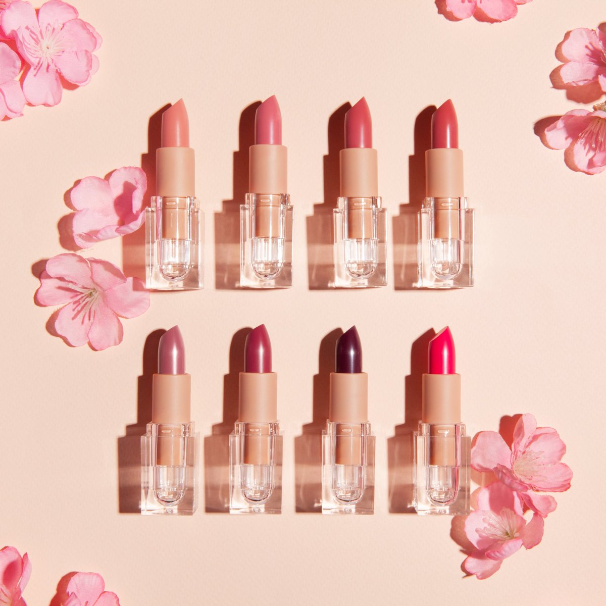 RT @kkwbeauty: Pink Crème Lipstick Sets are almost SOLD OUT! Shop now: https://t.co/qph7jvGhlU https://t.co/ZYD3OQAIiq