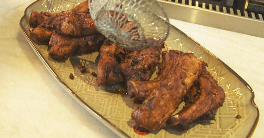 Recipe: Chrissy Teigen's Thai Soy-Garlic Fried Ribs