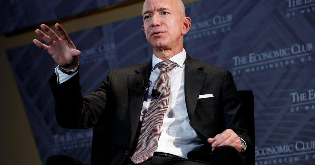"""Bezos: If Trump welcomed media scrutiny, """"that would be so secure and confident"""""""