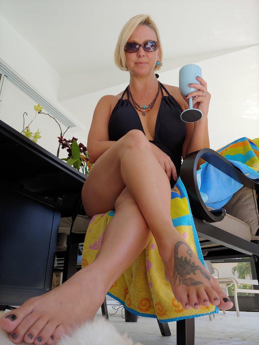 Perfect pool day..cheers! OQ0jSQy35M