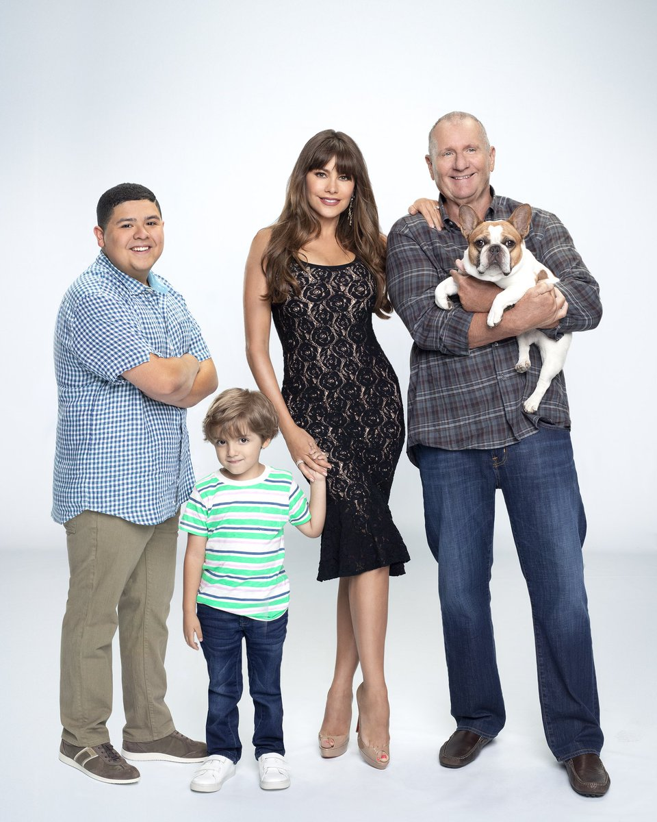 RT @ModernFam: Your favorite modern families are almost back. ???? #ModernFamily https://t.co/JSl5B63C93