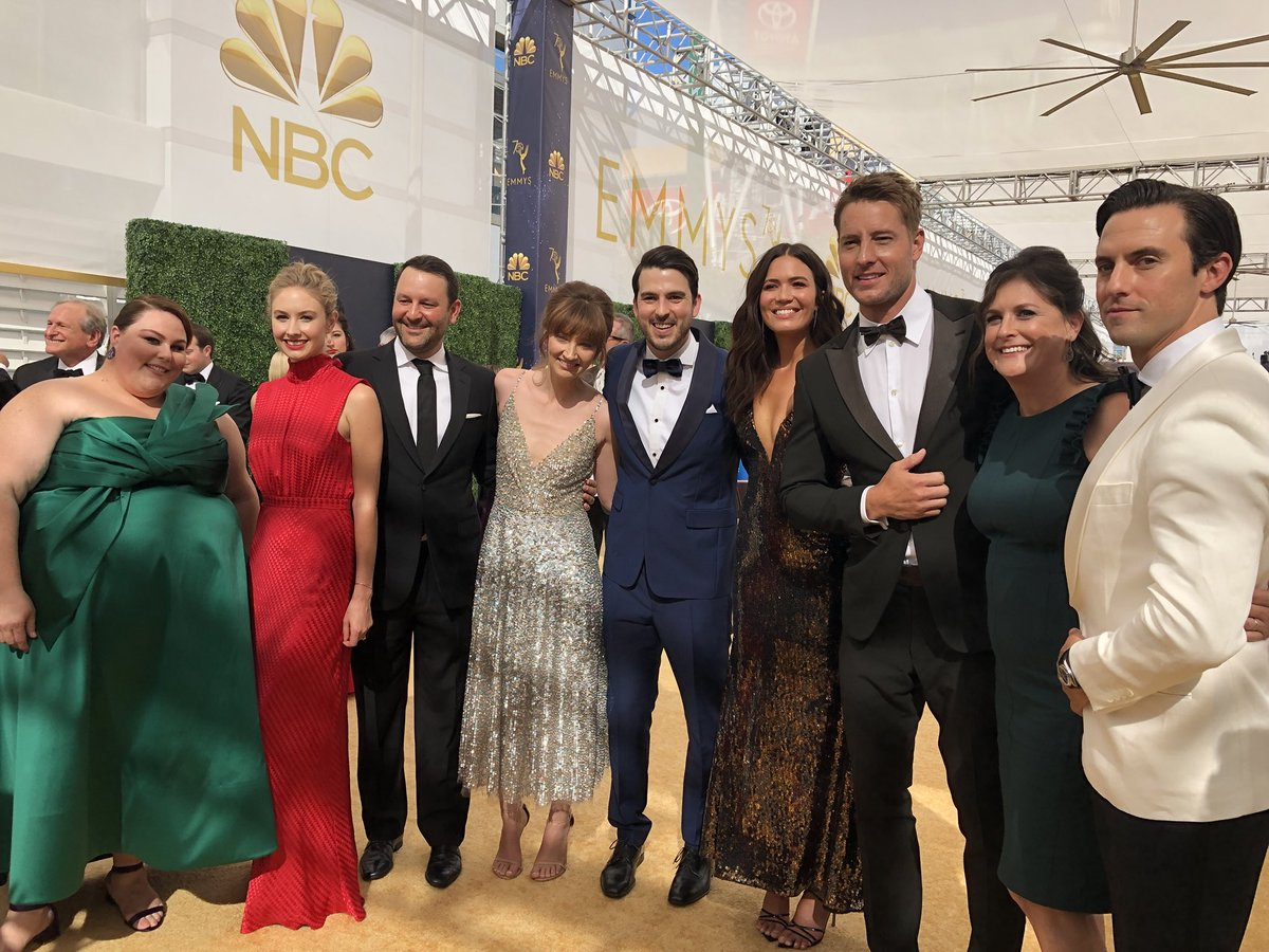 Having a wonderful time with the fam at the #Emmys! ❤️ #ThisIsUs https://t.co/ScpY53h5qp