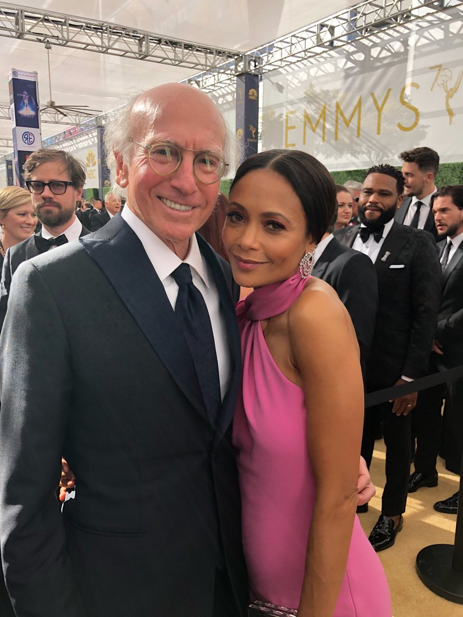 #emmys2018 on the red carpet with #LarryDavid yeah!! Xx  #AnthonyAnderson #KitHarrington ???? https://t.co/9n1B6AAAZb