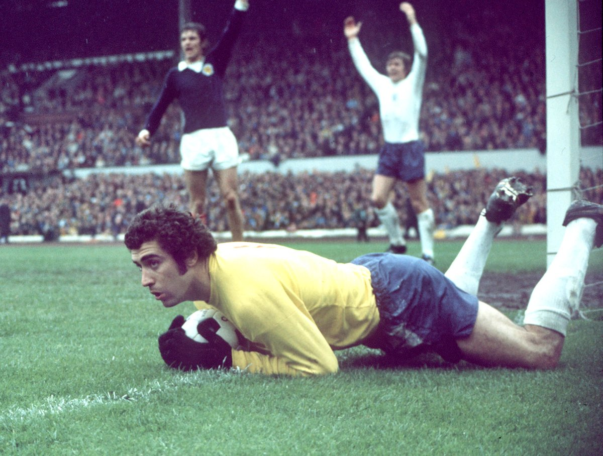 RT @England: Happy birthday to the #ThreeLions' record appearance-maker, @Peter_Shilton! 🎂 https://t.co/iZXyvXsw8j