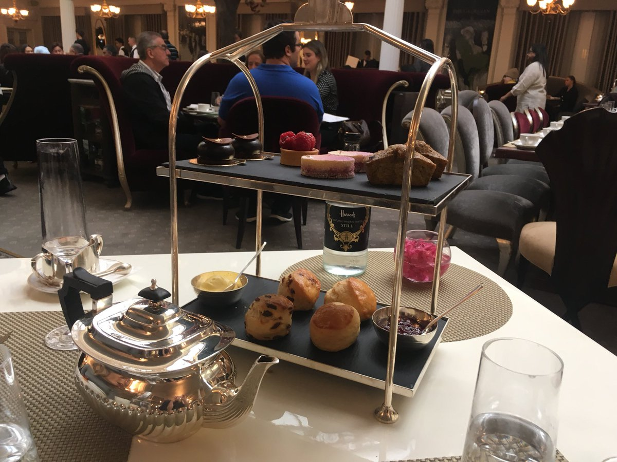 Had a fun day of shopping and afternoon tea at Harrods! 😍 R9yAjmrpIn