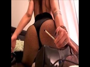 I just updated my fan club with a new video titled «Booty Tease (Different angles)»uF04S06EgV
