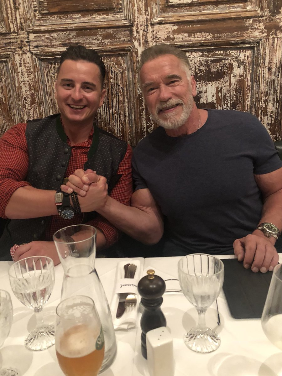 Fantastic dinner during a surprise day off in Austria with Andreas Gabalier, an amazing musician and a superstar. https://t.co/E8tYlgkJ36