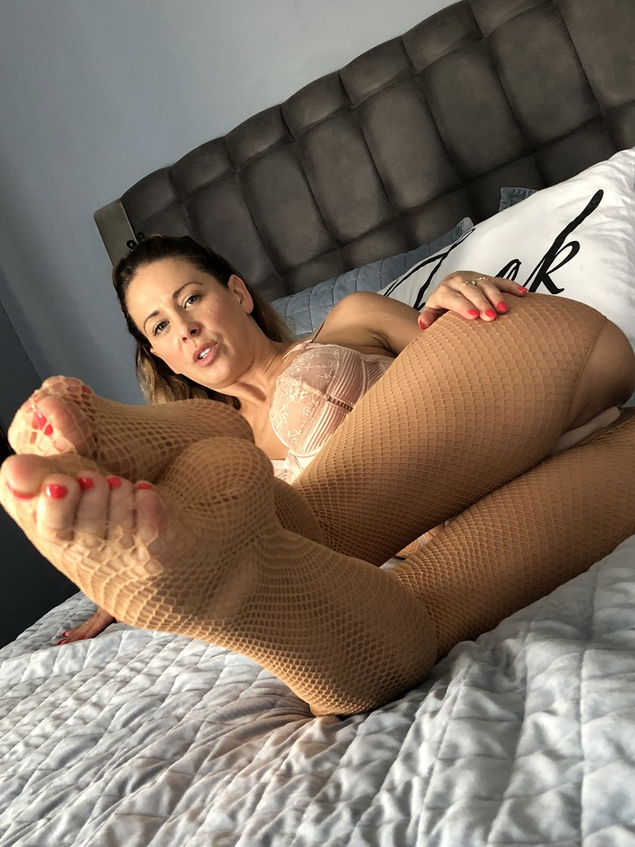 Watch my foot job snaps FREE right now on GscO8JInmF srhYyS9oUk