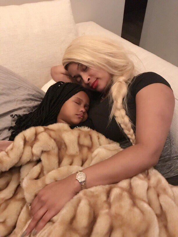 Aww look at my 2 favorite girls!! My beautiful loves ???? Royal-Reign and my baby daddy @1tiffanyfoxx.  ????: Me https://t.co/az8nuRPhlR