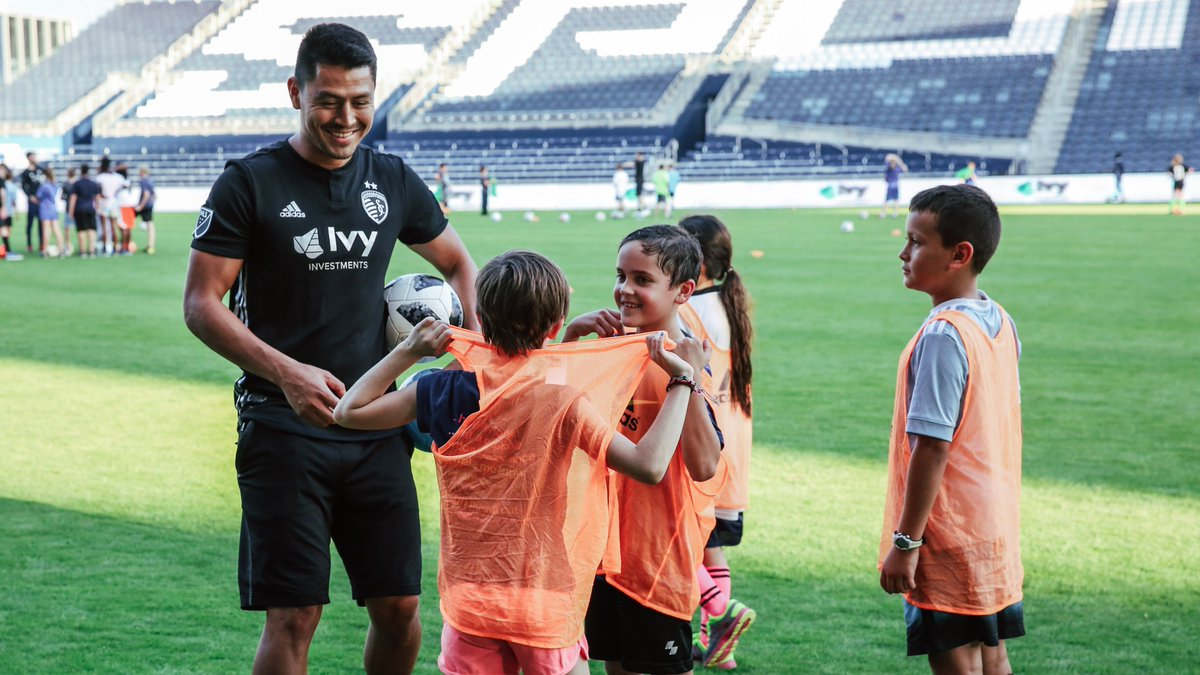test Twitter Media - Playing on the @cmpark pitch alongside your heroes? Nothing better. Thank you to @Ivy_Investments @MattBesler @iliesanchez @TimMelia28 and Roger Espinoza for putting on an unforgettable free youth clinic tonight! #ForGloryForCity https://t.co/s34KQPY8Dh