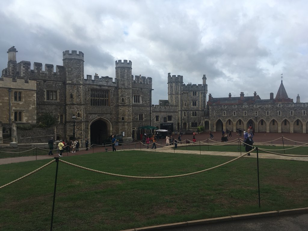 Went to see Windsor Castle today! dv1Grg4cYE