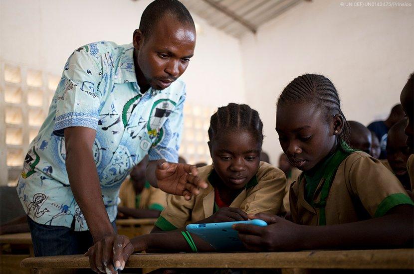 test Twitter Media - Le principe de concilier #Ecologie et #Education est une bonne idée. Le coût du kit solaire peut paraitre élevé, mais ramené à la journée cela revient respectivement à 0,35€ et 1,15€. L'alphabétisation de nos #enfants le vaut bien. #Mali  https://t.co/CtSSaqgzj2 https://t.co/2WnXH5wV0r