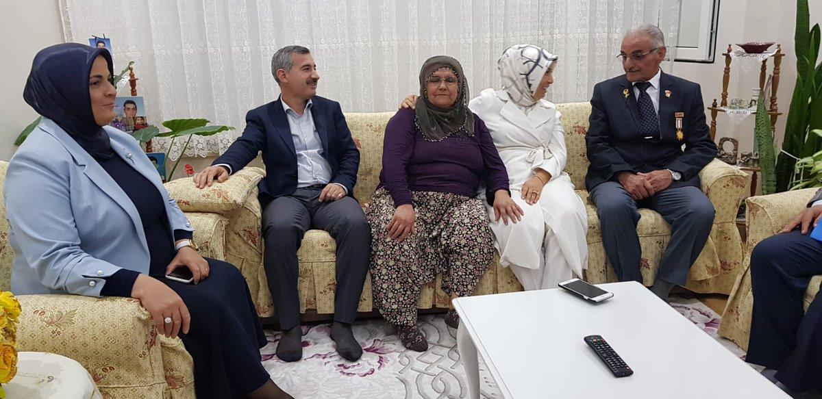 RT @mehmetcinar44: Kıbrıs gazimiz Mehmet Önal'ı gaziler gününde evinde ziyaret ettik. #gazilergünü https://t.co/THwPCi5nZD