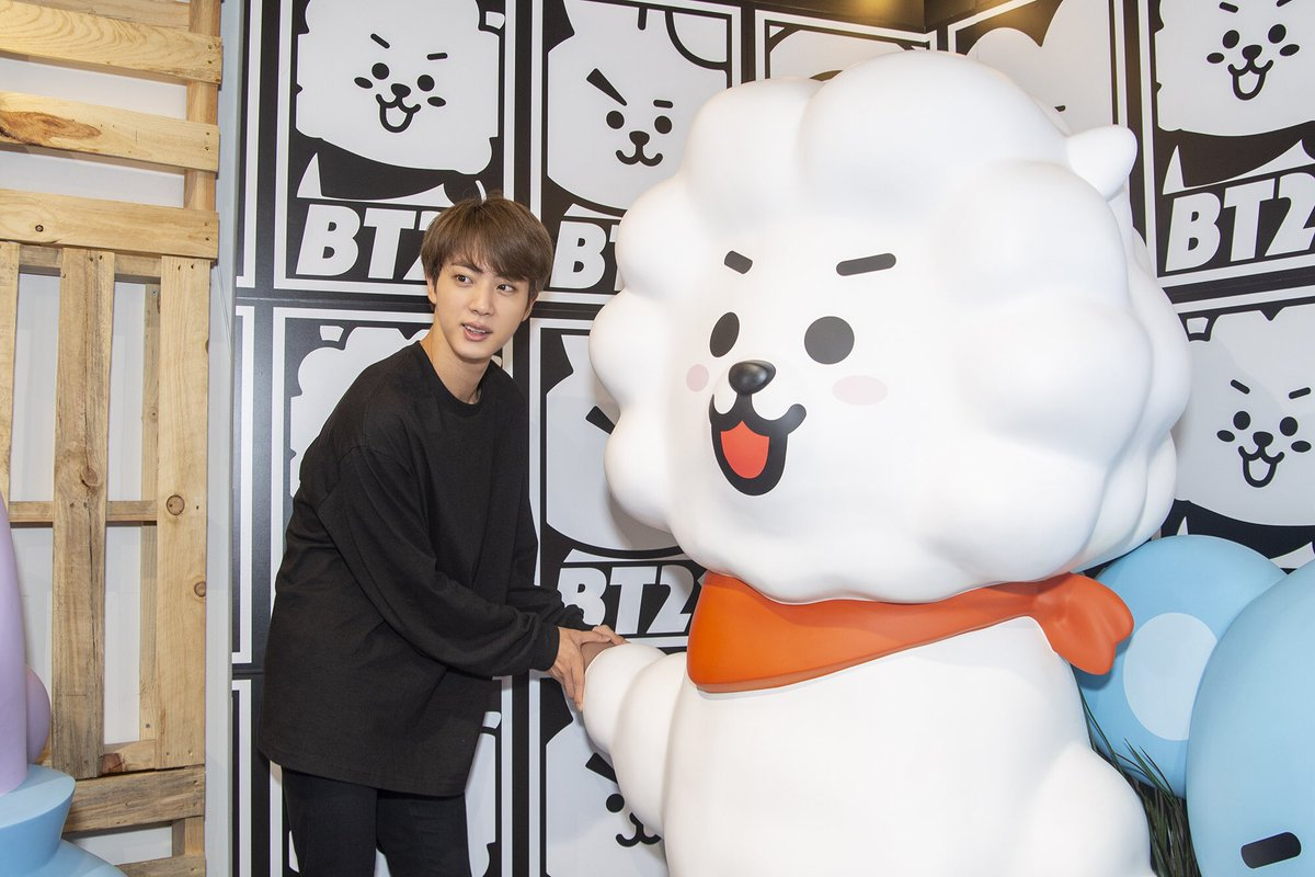 test Twitter Media - All the cool kids are coming to #LINEFRIENDSLA 🏃♂️🏃♀️💨  <Location>  📍6922 Hollywood Blvd, Los Angeles, CA 90028   https://t.co/Psd3QtIRWf   #BT21 #BTS #LINEFRIENDS #HOLLYWOOD https://t.co/6BjVbYmMOA